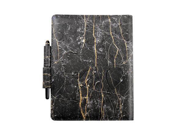 工商日誌,黑色大理石紋手冊,雙孔造型筆插,背面