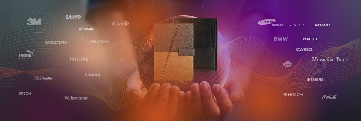 客製化生產實例 服務客戶群 世界頂尖製品,國際品質認證,接受客製化專案訂製,配合開發設計、生產、包裝、配送、與行銷輔助。 數百家歐美日跨國大型企業及集團指定使用,並經認證為長期合作支援優良廠商。